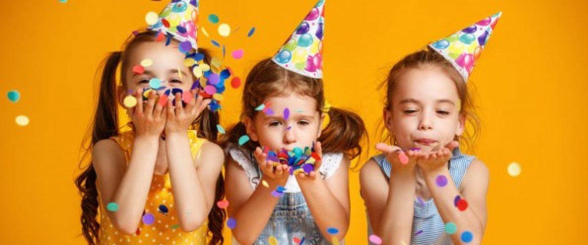 thumbnail_stock-photo-happy-birthday-children-girls-confetti lang